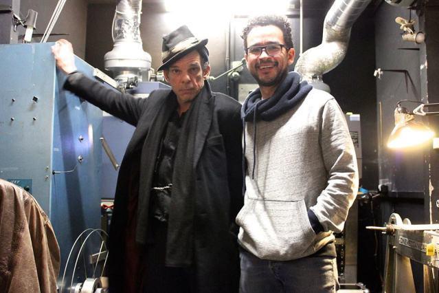 Denis Lavant et Edwin Lopera, projectionniste du Zola