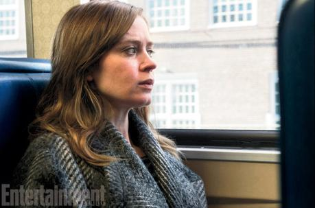 girl-on-the-train-emily-blunt
