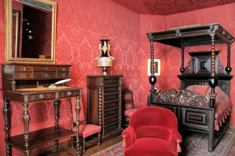 dans le bureau de victor hugo. Black Bedroom Furniture Sets. Home Design Ideas
