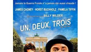 DEUX, TROIS (Critique)